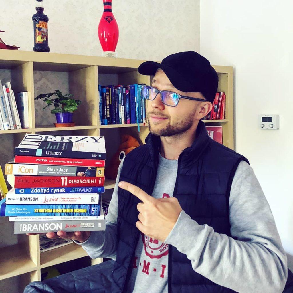Jak żyć lepiej satysfakcja z życia życie na własnych zasadach dawid bagiński social elite marzenia realizacja marzeń mediolan miłość biznes marketing firma szef szefowa nauka czego się uczyć jakie książki czytać