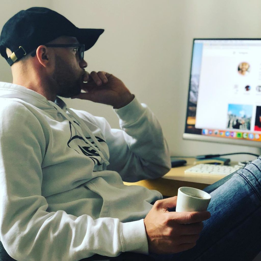 satysfakcjonujące życie satysfakcja w życiu szczęście marketing internetowy biznes online sukces porady od ludzi sukcesu ludzie sukcesu dawid bagiński porsche